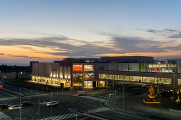 夜の商業施設