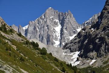 La Barre des Ecrins (alt 4102 m), vue du Vallon des Etançons