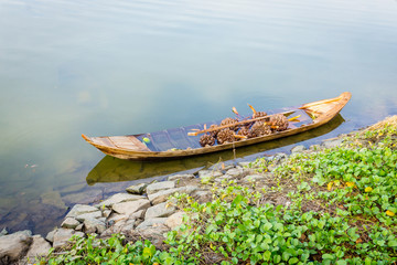 The single boat sink