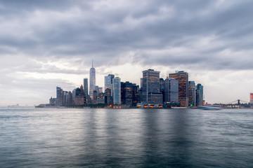 Papiers peints Toronto Lower Manhattan on a Stormy Summer Evening - New York City