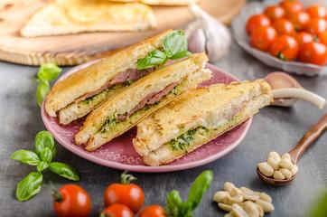 Papiers peints Snack Pesto cheese sandwich