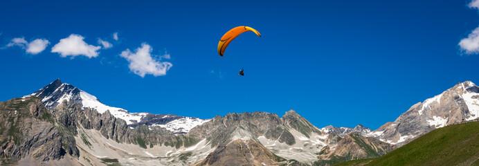 parapente en montagne