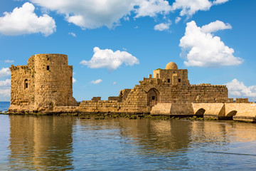 Foto auf Acrylglas Mittlerer Osten Crusaders Sea Castle Sidon Saida in South Lebanon Middle east