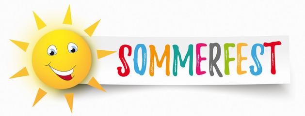 Sonnen Smiley mit Papierbanner und dem Wort Sommerfest