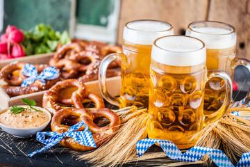 Foto auf Leinwand Bier / Apfelwein Oktoberfest