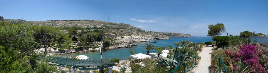 Panorama der Bucht von Kalithema auf der griechisches Insel Rhodos