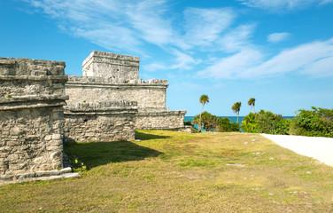 Archeology and nature of the Yukatan peninsula