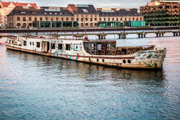 verlassenes Schiff in Berlin