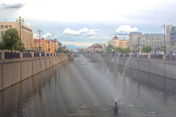 the view of the promenade with the fountains in the city centre