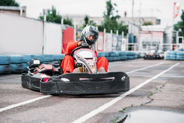 Poster Motorise Karting racer in action, go kart competition