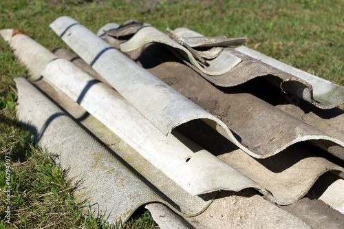 Sondermull Asbestplatten Auf Einem Haufen Stock Photo And Royalty