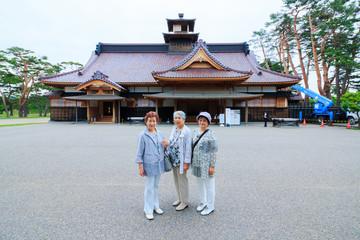 日本人 高齢者女性 旅行