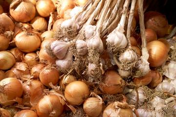 many onions and garlics.