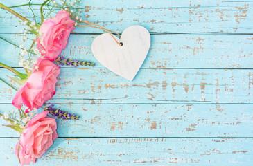 Herzlichen Glückwunsch Karte mit Herz und Rosa Rosen