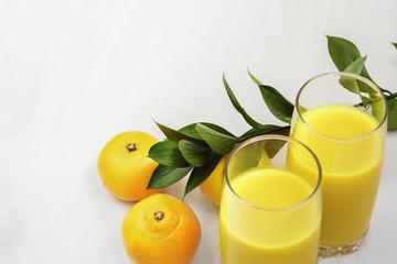 Lemon juice and two lemons