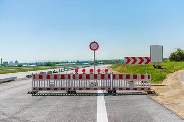 Straßensperre neue Zubringer-Baustelle A 61 bei Worms
