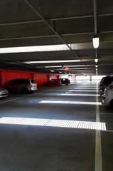Parcheggio coperto nel centro commerciale