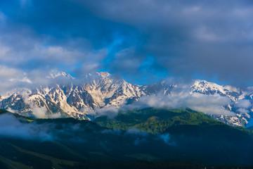 朝の白馬三山