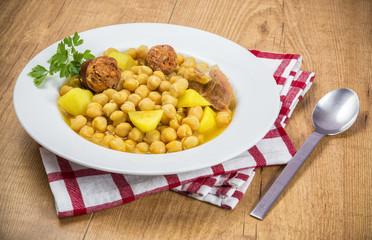 Garbanzos,cocido madrileño