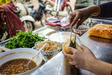 street food Vietnam Banh mi