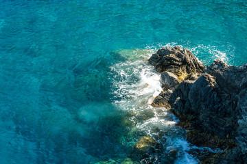 türkisfarbenes Meer bei Cinque Terre