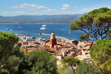 Poster Mediterraans Europa View of Saint Tropez harbor on the French Riviera