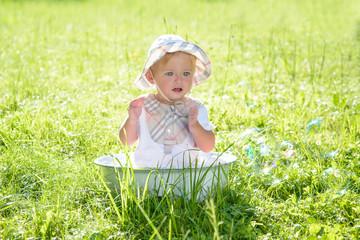 Kind - Baby - Kleinkind - Vintage - Natur - Outdoor - Kinderbetreuung
