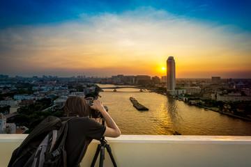 Photographer take a cityscape photo