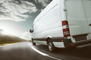 Lieferwagen transportiert Güter