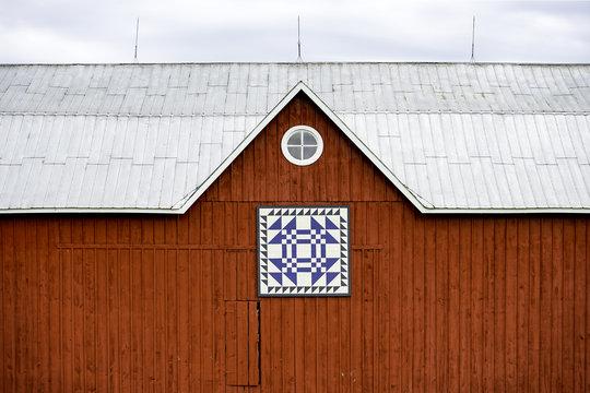 Red Barn Horizontal