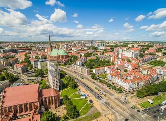 Szczecin - stare miasto: bazylika, zamek. Krajobraz miasta widziany z lotu ptaka.