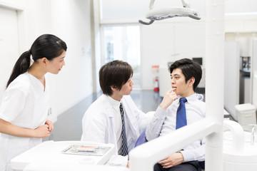 dentist in dental clinic