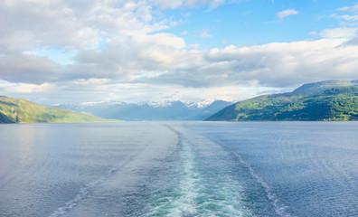 Mit dem Schiff durch den Sognefjord in Norwegen