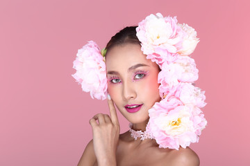 Beautiful Sweet High Fashion Make Up Hair style decorate with white pink big flowers