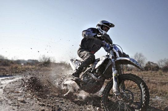 Motorcross Matsch