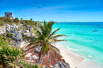 Photo sur Plexiglas Mexique Ruins of Tulum / Caribbean coast of Mexico - Quintana Roo - Cancun - Riviera Maya