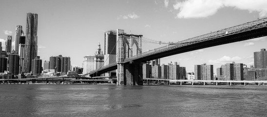 Brooklyn Bridge New York - a famous landmark
