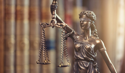 anwalt justitia personifikation der Gerechtigkeit