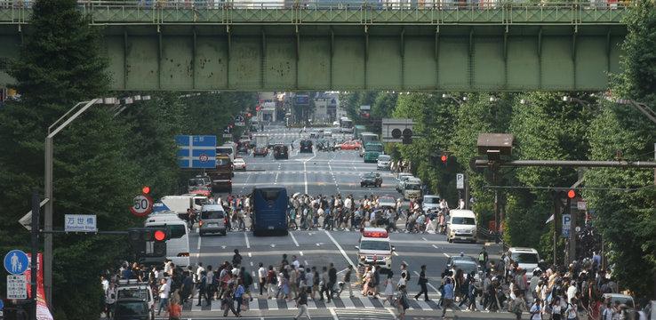 日本の東京都市景観(秋葉原・中央通り方向を望む)秋葉原電気街