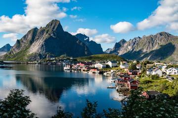 Foto op Plexiglas Kust Reine fishing village in the Lofoten Islands, Norway