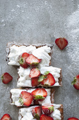 Strawberry Tart (Meringue or Whipped Cream)