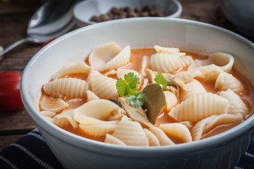 Fresh tomato soup with conchigliette.