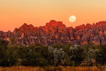 Moonrise over the Bungle Bungles in Western Australia Wall mural