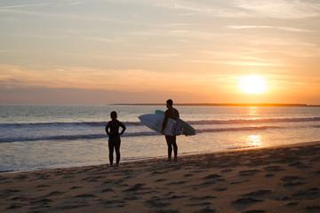 Couple de surfeur
