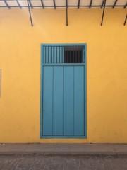 Poster Havana Colorful door in Havana
