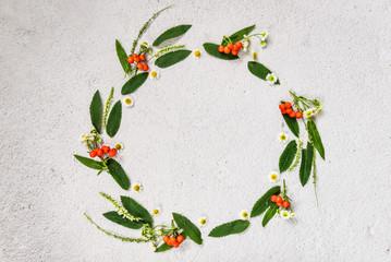 Obraz Floral pattern made of wildflowers and rowan - fototapety do salonu