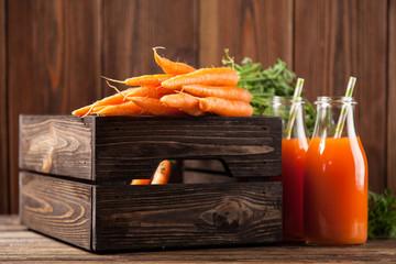 Fotoväggar - Fresh organic carrot juice