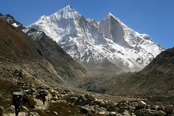 Chardham Trek Norther India Bhagirathi Peaks Mana Village Badrinath Ganges Bhojvasa Ama Dablam Nepal