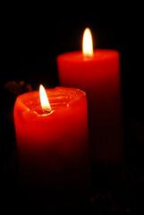 Rote Kerzen zum Advent