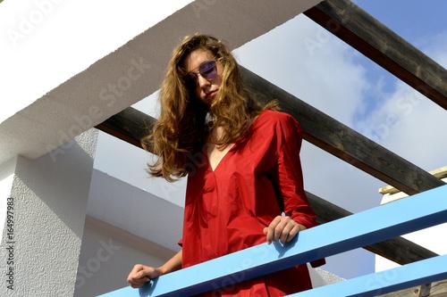 La Rubia Con Largo Rojo Sol Pelo Chica Esta Vestido En Del Gafas FK3lcuJT1